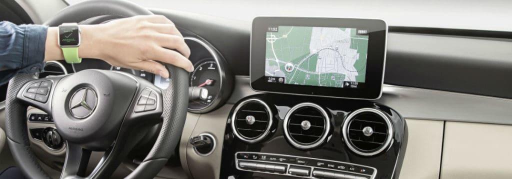 اپل و هارمن کاردن هارمان کاردن معرفی هارمن کاردن ، تولید کننده سیستم های صوتی حرفه ای خودرو mercedes benz apple watch 1024x358